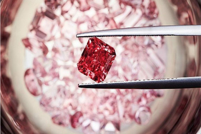 Diamonds Unique