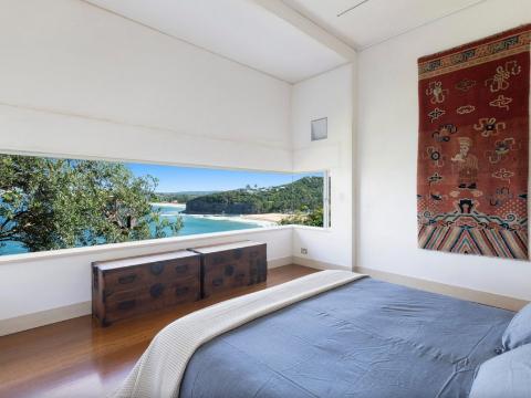 Serpentine bedroom views