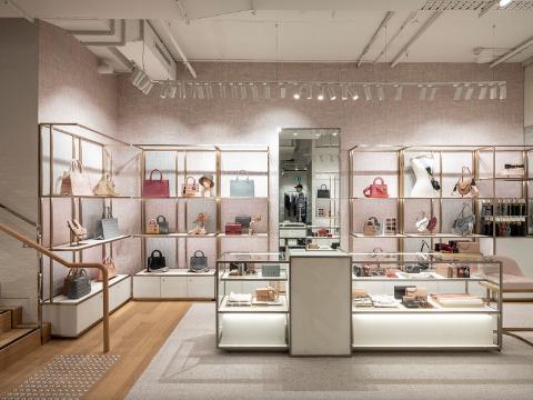 Dior seasonal boutique