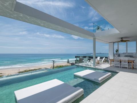 Queensland mansion beachside pool